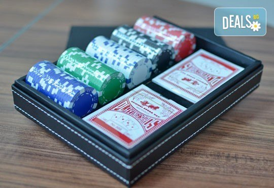 Време е за покер и много забавление! Вземи кожено куфарче с покер чипове, 100 бр. и две тестета карти от Grinders.org - Снимка 2