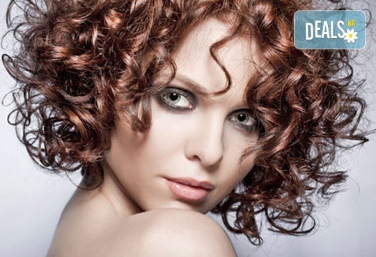 Кукленски къдрици с възможно най-щадящата процедура за Вашата коса - водна ондулация от студио Авангард, Пловдив! - Снимка 1