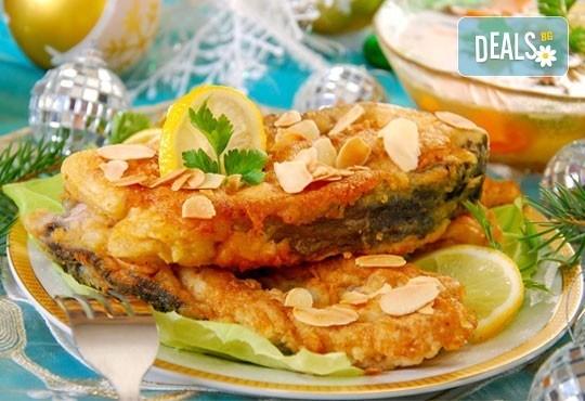 Прясна пържена риба за празниците! Килограм пържен шаран или толстолоб и 900гр. гарнитура от Кулинарна къща Ники - Снимка 2