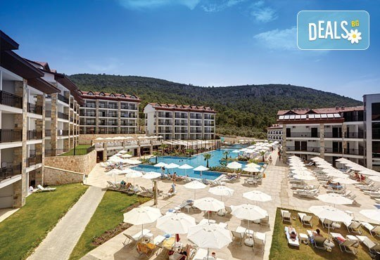 Майски празници в Дидим, Турция! Ramada Resort Akbuk 4*, 5 нощувки на база All Inclusive, възможност за транспорт! - Снимка 1
