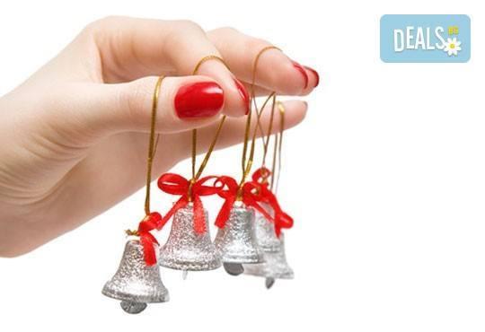 За съвършени нокти! Класически или френски маникюр с до 2 декорации в салон Бели Дунав! - Снимка 3