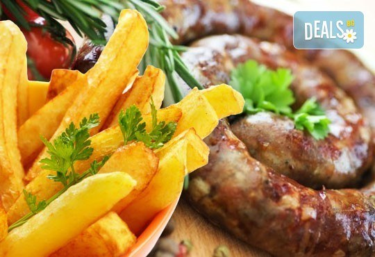 Апетитно в Balito! Две порции пресен телешки суджук на скара или свински каренца + гарнитура картофки и салата - Снимка 1