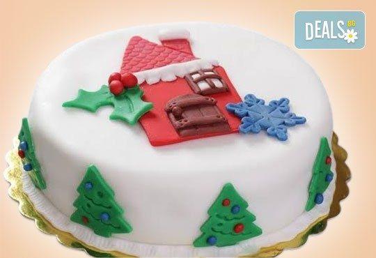 Коледни емоции от Muffin House! Дизайнерска торта за Коледа с къщичка или елхичка, домашно приготвени шоколадови блатове - Снимка 1