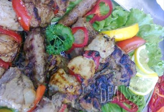 Сръбска скара на дървени въглища 1.500 кг. + гарнитура картофки 0.400 кг. и безплатна доставка от Кулинарна къща НИКИ - Снимка 4