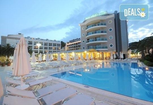Майски празници в Мармарис, Турция! Paşa Beach Hotel 4*, 5 нощувки на база All Inclusive, възможност за транспорт - Снимка 2