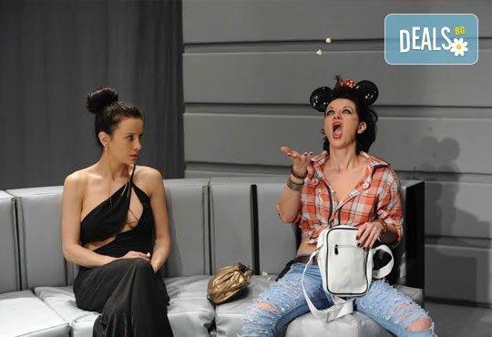 Гледайте Асен Блатечки в ''Пуканки'', на 14.12., от 19 ч, Театър Открита сцена ''Сълза и смях'' - Снимка 5