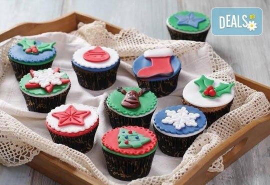 Бутикови мъфини за Коледа! Изберете модел 3D мъфини с апликация, крем елха или с коледна плочка от Muffin House - Снимка 2