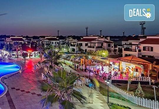 Нова година в Белек, Турция! 5 нощувка на база All Inclusive и Новогодишна вечеря в River Garden HV1 5* и транспорт от Турс Клуб! - Снимка 7