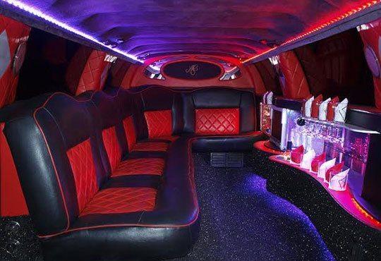Разходка с последния модел шейна на Дядо Коледа - луксозна лимузина от Vivaldi Limousines и San Diego Limousines - Снимка 2