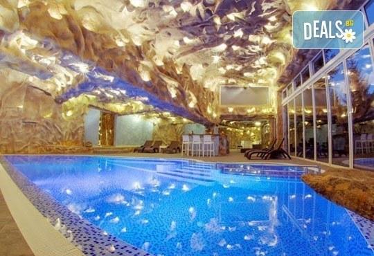 Зимна почивка за двама! 1 нощувка със закуска и вечеря в хотелски комплекс Кипарис Алфа 3*, Смолян - Снимка 9