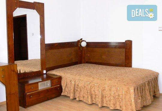 Релакс в СПА хотел Виктория, Брацигово! 1 нощувка със закуска и вечеря, безплатно за деца до 6 години! - Снимка 3