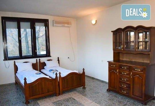 Почивка през декември в Троянския балкан! От 1 до 4 нощувки в уютни къщички, хотел Света гора, с. Орешак - Снимка 6