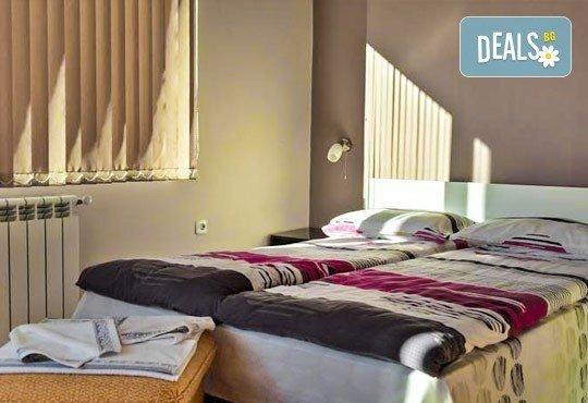 Декември в Рила! 1 нощувка в двойна стая в къща за гости Кюркчиеви, Сапарева баня, ползване на камина и барбекю - Снимка 7