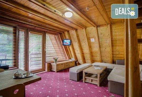 На ски през януари във Вилно селище Малина, Пампорово! Вила за 3/4 човека, брой нощувки по избор, със закуски и вечери - Снимка 3