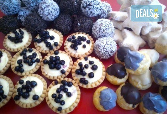 Сладки на килограм! Бутикови сладки фантазии, един или два килограма от майстор-сладкарите на Muffin House - Снимка 4