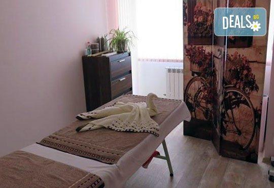 Китайски лечебен масаж на цяло тяло и моксотерапия от специалист кинезитерапевт в център за здраве и красота Шърмейн! - Снимка 6