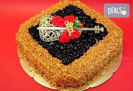 Вземете торта по Ваш избор от предложените + свещички, надпис и кутия от Виенски салон Лагуна! - Снимка 6