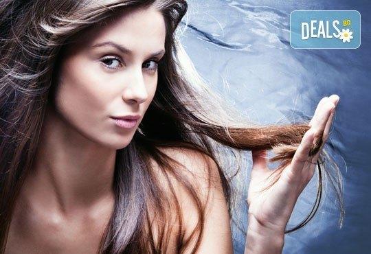 В крак с новите технологии! Терапия за коса с ботокс, хиалурон и кератин, инфраред преса и прическа в салон Хасиенда! - Снимка 1