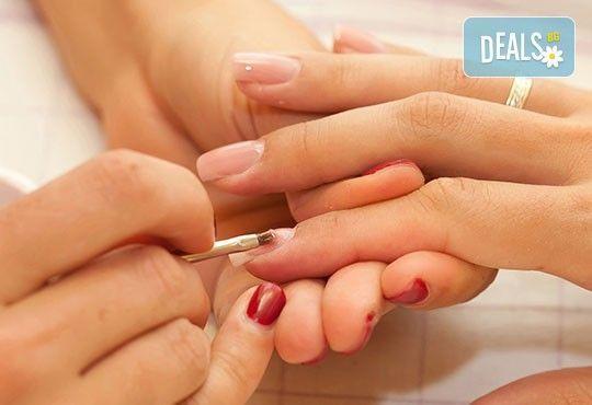 Поддръжка на гел CLARISSA или поставане на гел върху естествени нокти, лакиране с OPI, 4 декорации или камъни - Снимка 2