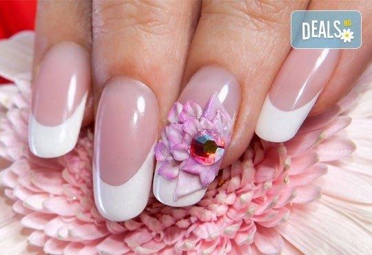 Поддръжка на гел CLARISSA или поставане на гел върху естествени нокти, лакиране с OPI, 4 декорации или камъни - Снимка 4
