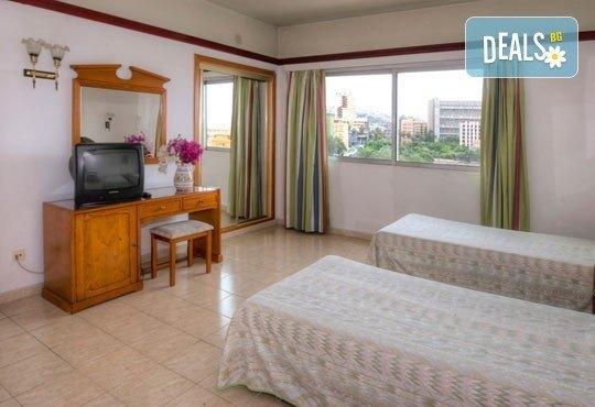 Last Minute Нова година на Канарските острови! Хотел Elegance Dania Park 4*, Тенерифе - 5 нощувки, закуски и вечери, самолетен билет - Снимка 5