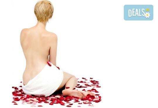 Луксозен арома масаж на цяло тяло с истински цветя - рози и карамфили в ''Senses Massage & Recreation'' - Снимка 3