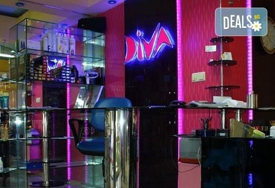 Бъдете изящни и неповторими в празничната нощ с класически маникюр с лак на CND в Studio Diva, Пловдив! - Снимка 5