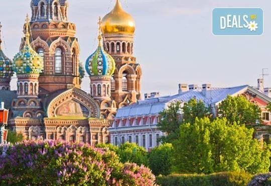 Ранни записвания за екскурзия през юли до Санкт Петербург, Русия! 4 нощувки със закуски и вечери, самолетен билет и богата програма! - Снимка 1