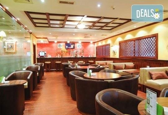 Super Last Minute! Посрещнете Нова година в Holiday Inn Downtown 4*, Дубай! 4 нощувки със закуски, билет, трансфери и водач! - Снимка 8