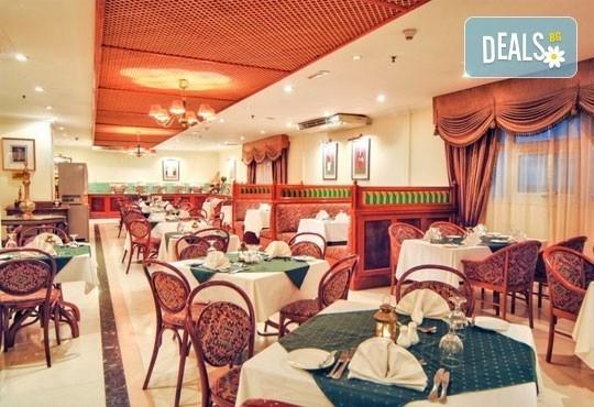 Super Last Minute! Посрещнете Нова година в Holiday Inn Downtown 4*, Дубай! 4 нощувки със закуски, билет, трансфери и водач! - Снимка 9