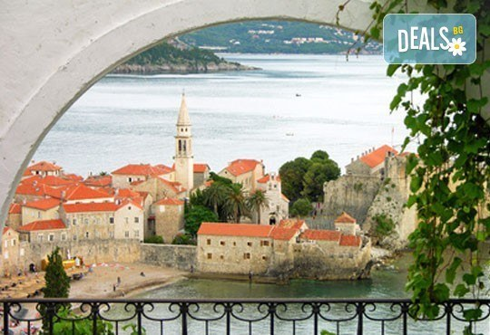 На карнавал в Дубровник, Хърватия през януари! 3 нощувки със закуски на Будванската ривиера, транспорт и екскурзовод! - Снимка 2
