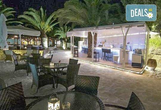 От май до септември 2016 в Lagomandra Beach Hotel 4*, Халкидики: 4 или 5 нощувки в двойна супериор стая, със закуски и вечери! - Снимка 7
