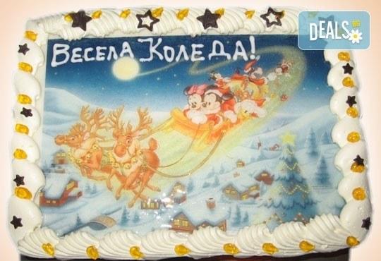 Голяма торта с Дядо Коледа 16-18 парчета - с белгийски шоколад, крем и канела от Сладкарница Орхидея - Снимка 2
