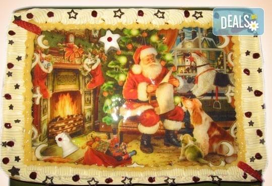 Голяма торта с Дядо Коледа 16-18 парчета - с белгийски шоколад, крем и канела от Сладкарница Орхидея - Снимка 3