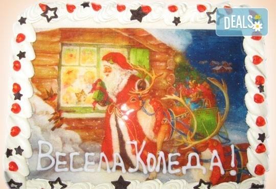 Голяма торта с Дядо Коледа 16-18 парчета - с белгийски шоколад, крем и канела от Сладкарница Орхидея - Снимка 1