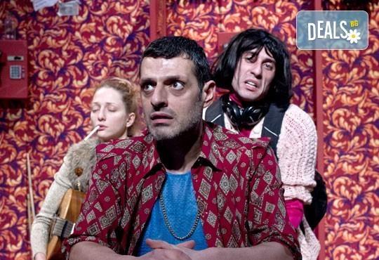 """Гледайте """"Двама бедни румънци, говорещи полски"""" на 16.01. от 19ч. в ТР Сфумато с билет за един! - Снимка 9"""