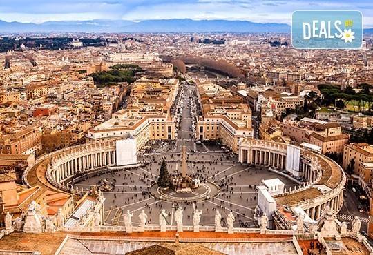 Самолетен уикенд за Св. Валентин в Рим, с Лале тур! 3 нощувки със закуски в хотел 3*, самолетен билет и летищни такси - Снимка 3