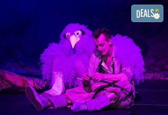 """Дядо Коледа раздава подаръци в Театър """"София""""! Ян Бибиян в Голяма зала, на 20.12 от 17ч. с билет за 2-ма - Снимка 7"""