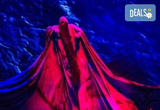 """Дядо Коледа раздава подаръци в Театър """"София""""! Ян Бибиян в Голяма зала, на 20.12 от 17ч. с билет за 2-ма - Снимка 8"""