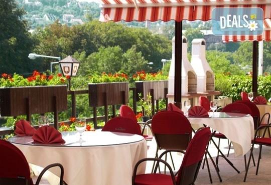 Романтична разходка в Будапеща! 4-дневна екскурзия с 2 нощувки със закуски, транспорт и водач от Глобус Турс! - Снимка 10