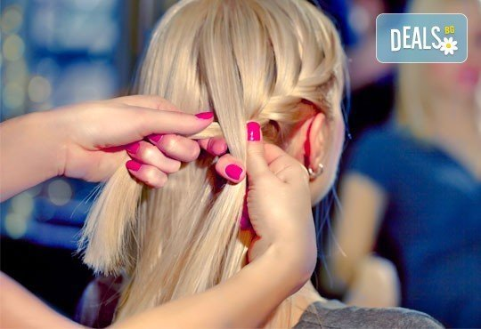 Бъдете стилни! Масажно измиване, постригване, оформяне със сешоар и подарък: оформяне на плитка в салон Angelica Beauty! - Снимка 3