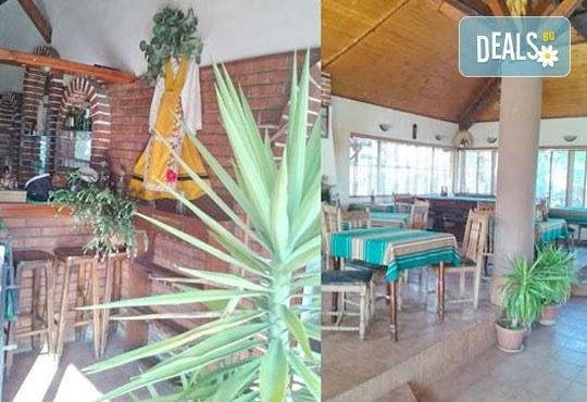 Неподправена домашна атмосфера със 7-степенното меню за Бъдни вечер на ресторант Деличи + безплатна доставка! - Снимка 3