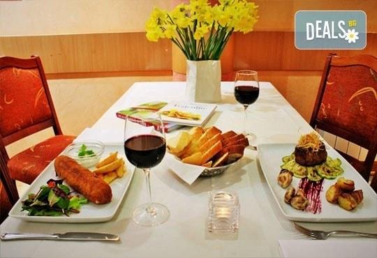 Посетете столицата на Сърбия - Белград през януари! 2 нощувки със закуски в Hotel Rex 3* от Прайм Холидейс! - Снимка 7