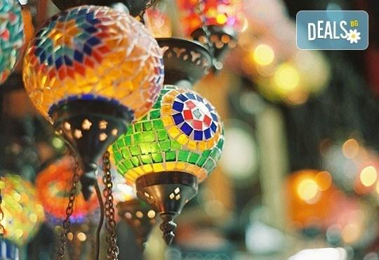 Свети Валентин в Истанбул! 2 нощувки със закуски, транспорт, панорамна обиколка Нощен романтичен Истанбул и посещение на Одрин! - Снимка 2