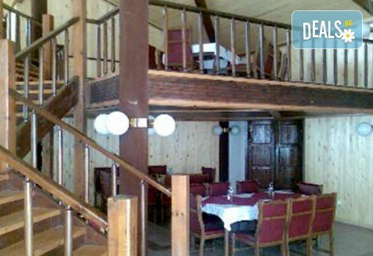Релакс в СПА хотел Виктория, Брацигово! 1 нощувка със закуска и вечеря, безплатно за деца до 6 години! - Снимка 12