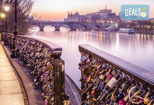 Приказна екскурзия за Свети Валентин до Париж! 3 нощувки със закуски на човек в хотел 3*, самолетен билет и екскурзовод - Снимка 5