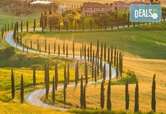 Екскурзия до очарователната Тоскана през март, с Дари Травел! 5 нощувки, 5 закуски, 3 вечери, самолетен билет и автобусен транспорт! - Снимка 2