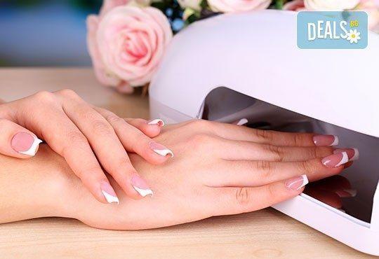 Класически или френски маникюр с Shellac, декорации с щампи или камъни и бонус- безплатно сваляне на гел лак от Royal Beauty Center - Снимка 6