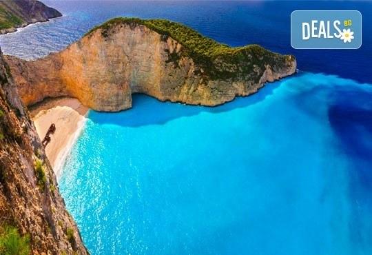 Ранни записвания за почивка през май или септември на о. Закинтос, Гърция! 3 нощувки със закуски, транспорт и фериботни такси! - Снимка 1