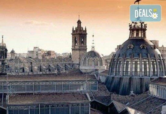 Екскурзия през март във Валенсия, ренесансовия град на Испания! 4 нощувки със закуски и самолетен билет от Сън Травел! - Снимка 6